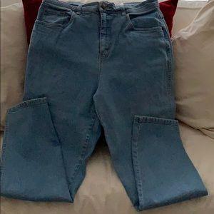 Bill Blass women jeans size 14 - pre owned